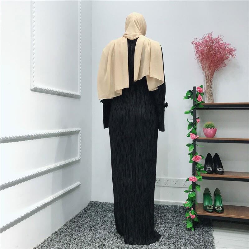 robe plisse chic noir de dos muslim mine