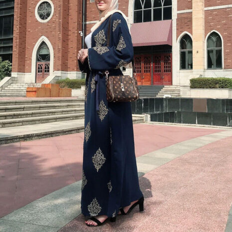 détail abaya kimono arabesque noir muslim mine